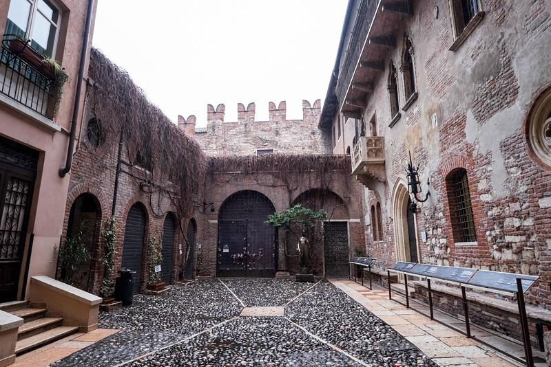 Verona_Italy_VDay_160214_36.jpg
