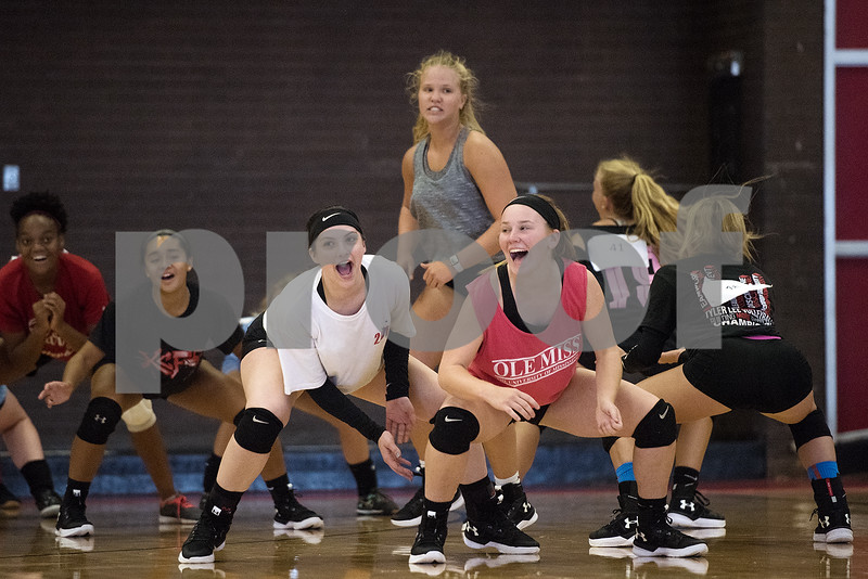 080117_Robert_E_Lee_Volleyball_Tryouts_Web_005