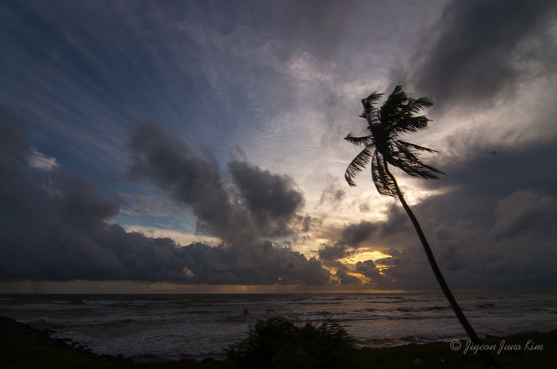 Sri-Lanka-sunset-indian-ocean.jpg