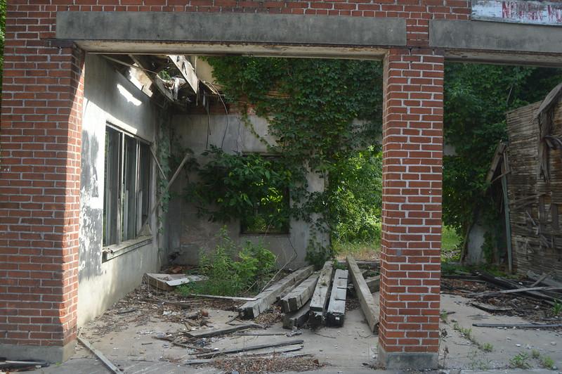 122 City Hall Ruins, Glendora.JPG