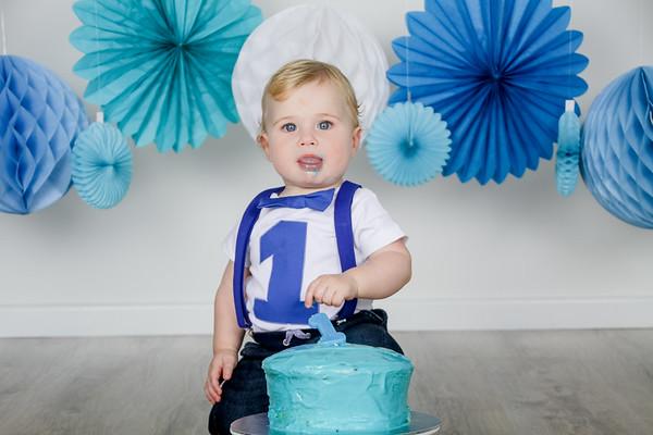 Lucas's Cake Smash