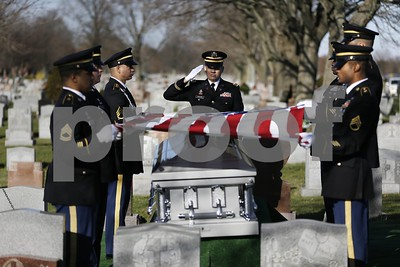 mia-korean-war-soldier-finally-buried-next-to-mom