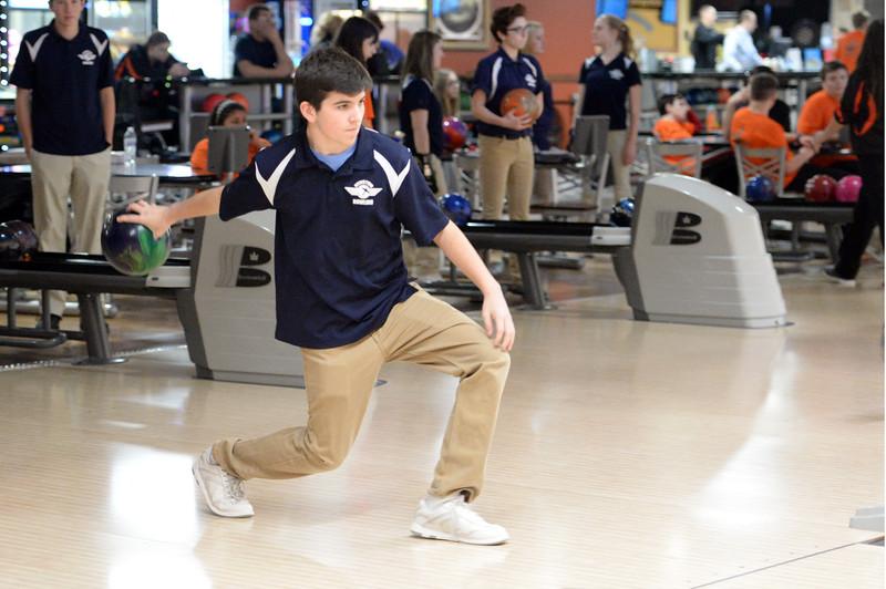 boys_bowling_9814.jpg