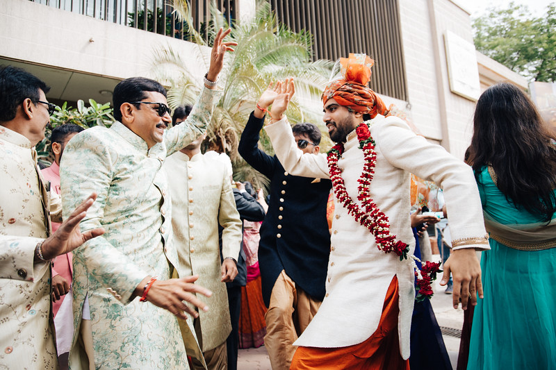 Poojan + Aneri - Wedding Day EOSR Card 1-1368.jpg
