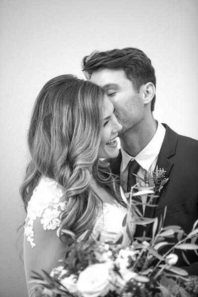 Kate&Josh_B&W_ZACH.WATHEN.PHOTOGRAPHER-210.jpg