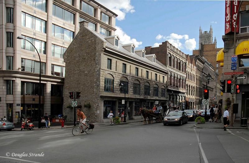 088_MontrealStreets.jpg