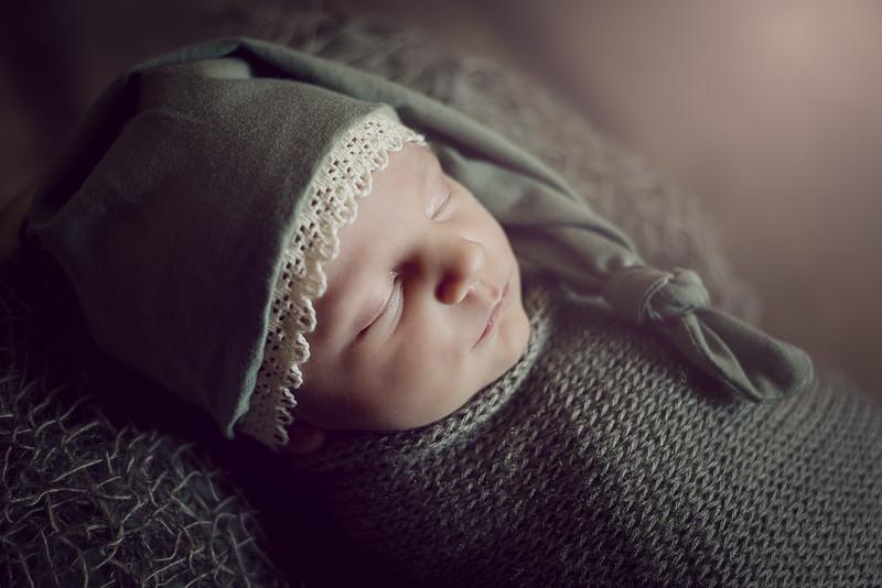Newborn Liénna-6.jpg