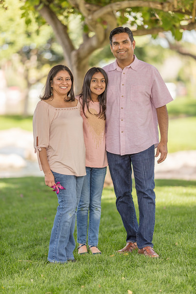 Urvi Family-151.jpg