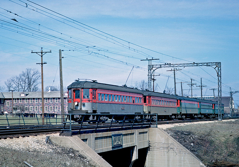 March 1962.  I spent one day chasing the North Shore, riding from the Loop to Great Lakes and walking between the Great Lakes station and Pettibone yard. This is a Chicago bound train on the Skokie Valley line of the North Shore.