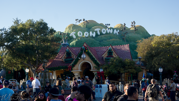 Disneyland Resort, Disneyland, Christmas, Holiday, Holidays, Christmas Time, Mickey's ToownTown, Mickey, Toon, Town