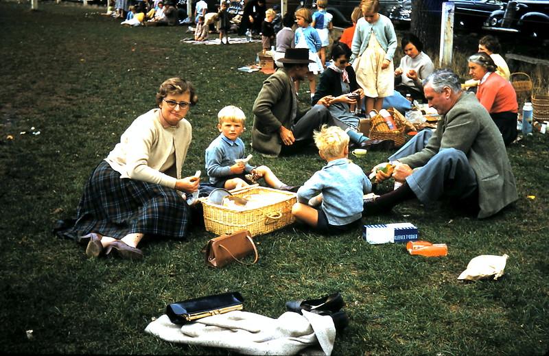 1960-4-1 (14) @ Mortlake School sports.JPG