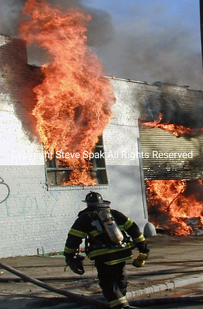 1-31-01  Queens 3rd Alarm Box 4538 31-01 Linden Place