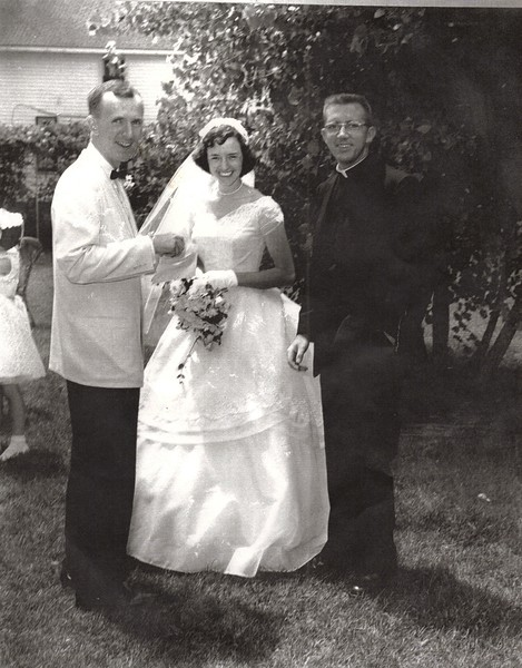 HarryJanetWeddingPicture1959.jpg