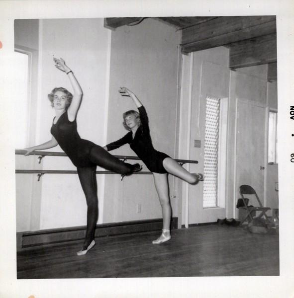 Dance_2845_a.jpg