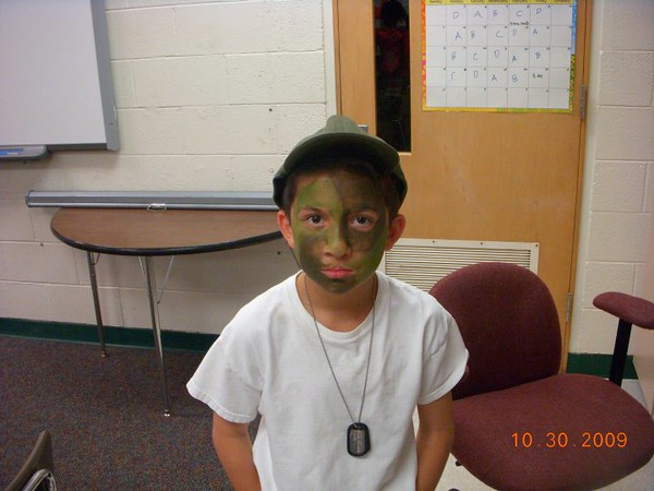 PHOTO - Joseph 3rd Grade Halloween Party - Sandburg Elementary - Oct 2009.jpg