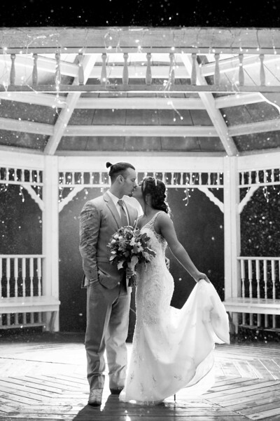 romatic-rainy-mountain-wedding.jpg