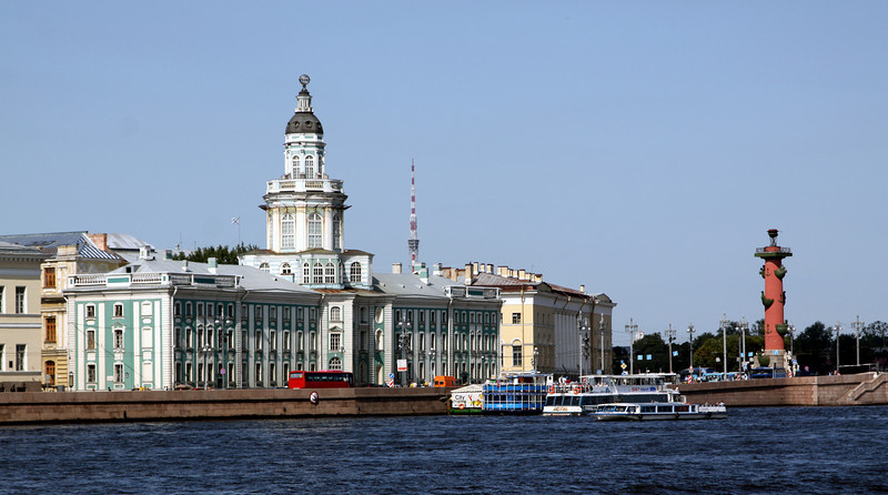 From left to right - Museum of Anthropology and Ethnography, Museum of Zoology, and one of two Rostral columns (oil-fired navigation beacons in the 1800's).