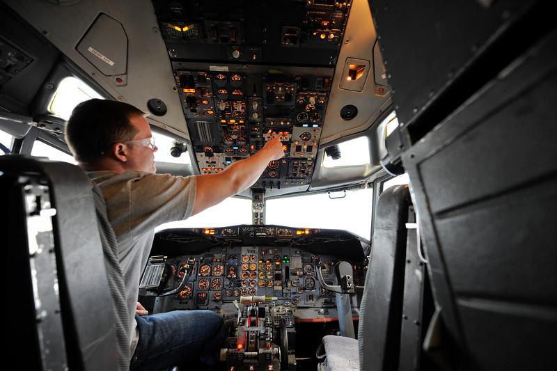 cockpit_0002.jpg