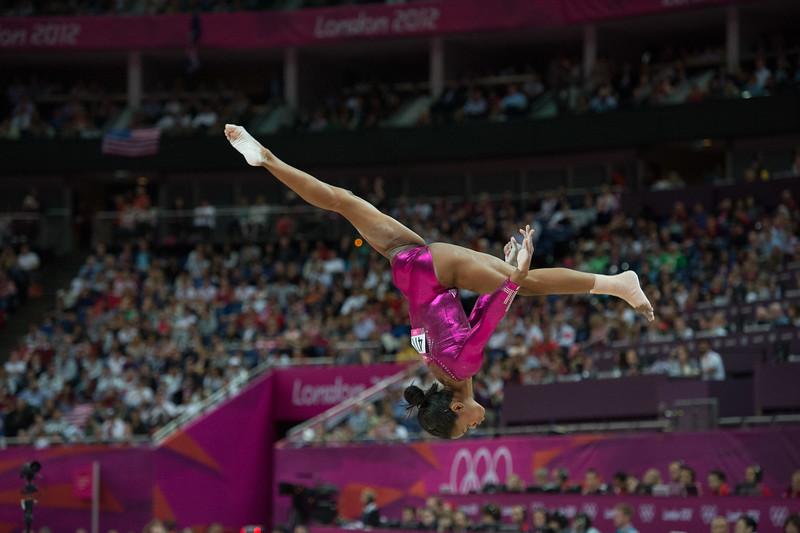 __02.08.2012_London Olympics_Photographer: Christian Valtanen_London_Olympics__02.08.2012__ND43802_final, gymnastics, women_Photo-ChristianValtanen