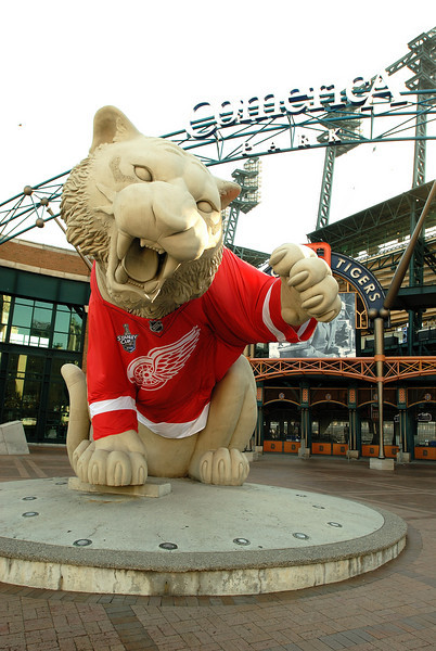 6/2/08 Comerica's Detroit Tiger wearing the Detroit Red Wings jersey