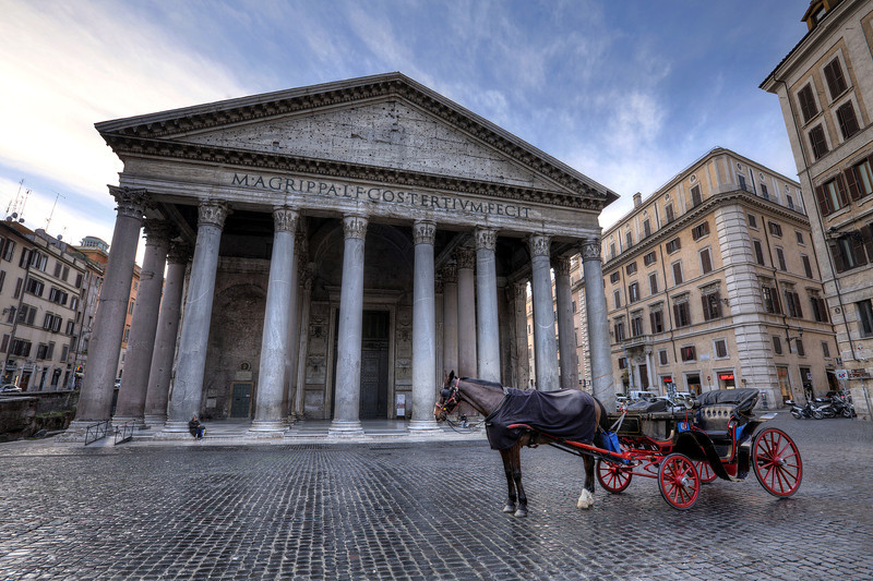 pantheon-with-horse-and-buggy-no-people-no-tourists.jpg