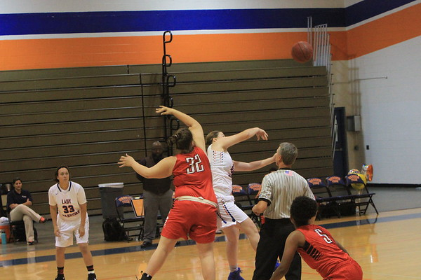 NE V Girls Basketball vs Osceola 12-14-17