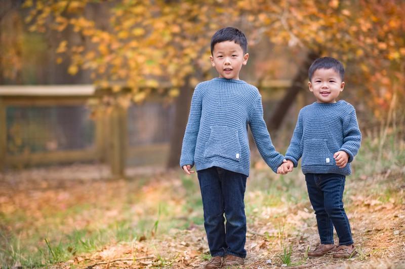 2019_11_29 Family Fall Photos-9481-Edit-Edit.jpg