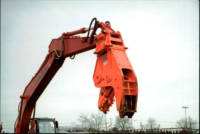 NPK U21J concrete pulverizer on Link-Belt excavator (30).JPG