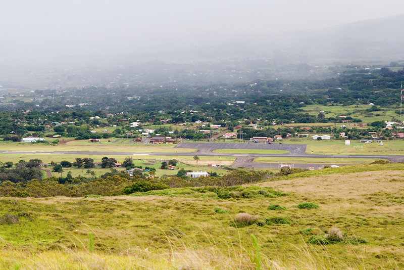Hanga Roa Airport.jpg