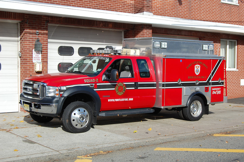 Fort Lee Squad 2 2006 Ford F550-Odyssey. Photo by Chris Tompkins.JPG