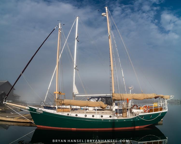 Fog Bow and the Hjordis
