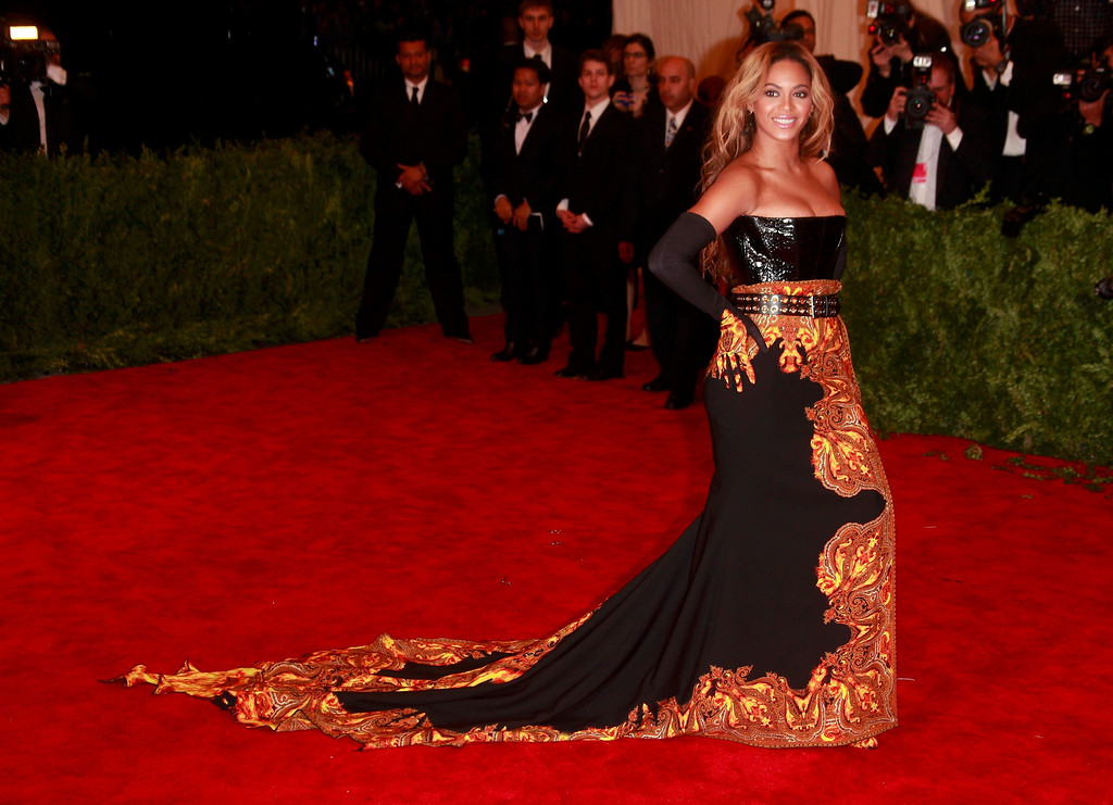 """. Singer Beyonce arrives at the Metropolitan Museum of Art Costume Institute Benefit celebrating the opening of \""""PUNK: Chaos to Couture\"""" in New York, May 6, 2013.    REUTERS/Carlo Allegri"""