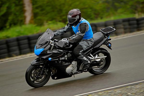 Suzuki - Black Bandit