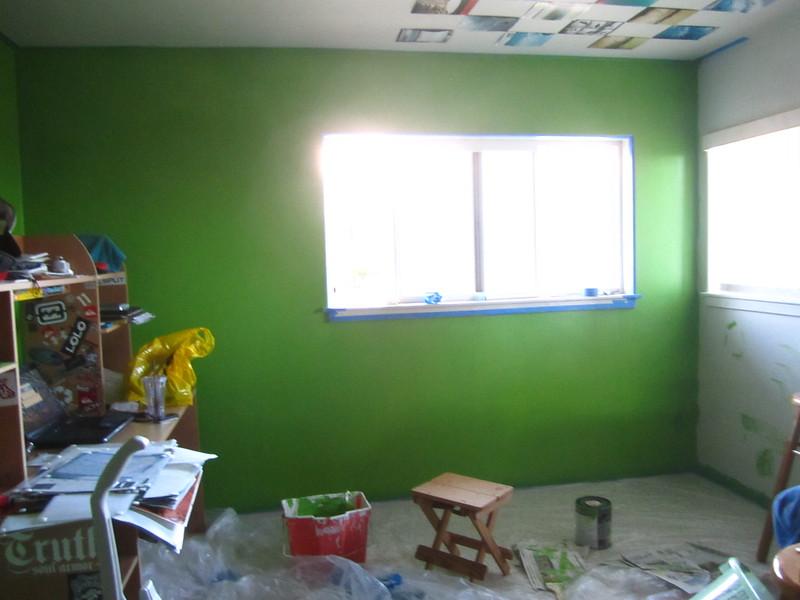 Hawaii - Painting My Room-16.JPG