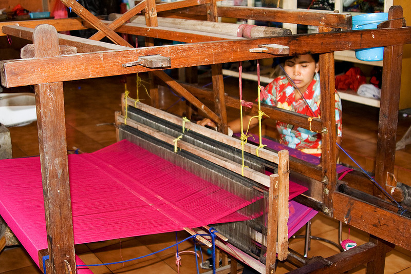 Weaving Balinese Cotton 2.jpg