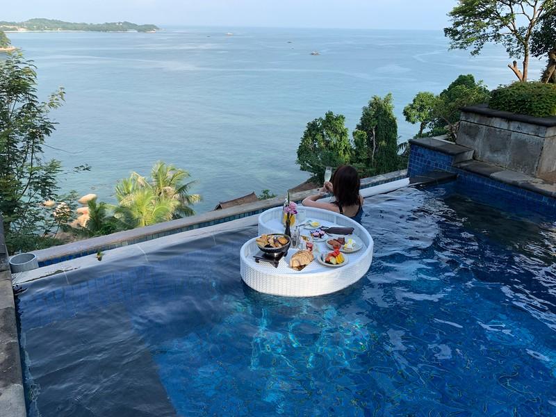 Banyan Tree Bintan Floating Breakfast