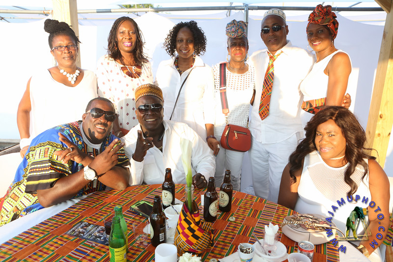 MAXINE GREAVES PURE WHITE ONTHE BAY A TOUCH OF AFRICA-196.jpg