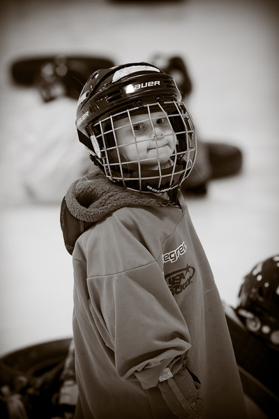 Jasmine & Andrew Hockey 2-26-12-7.jpg