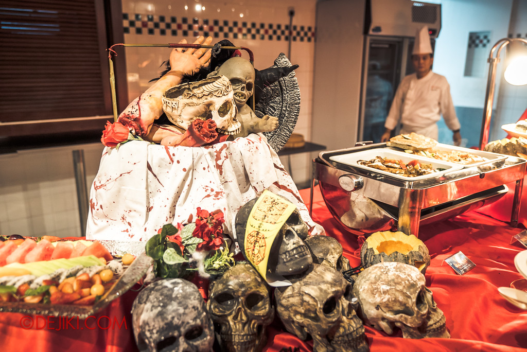 Halloween Horror Nights 7 Singapore - RIP Tour Review / Buffet Dinner decor