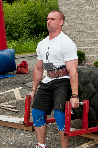 Fitness Revolution Strongman Challenge 2011_ERF3956.jpg