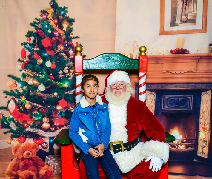 Santa Elmore 2016-12156.jpg