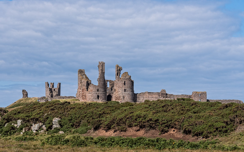 Approaching-Dunstanburgh.jpg