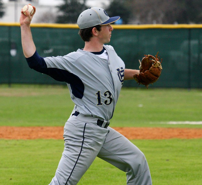 \\hcadmin\d$\Faculty\Home\slyons\HC Photo Folders\HC Baseball vs Ehret_2_4_12\SEL 214.JPG