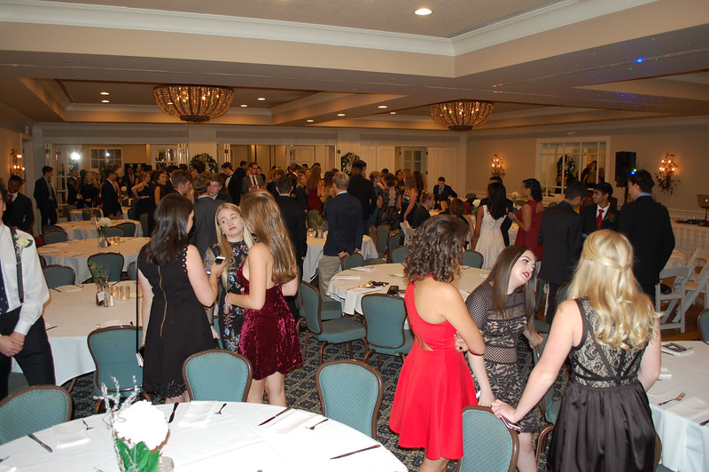 2016_12_03_Winter Formal25.jpg