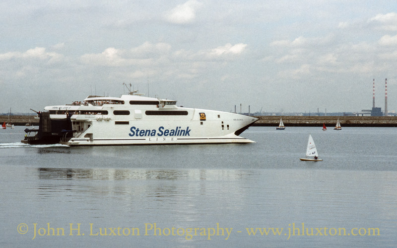 STENA SEA LYNX II at Dún Laoghaire - August 1995