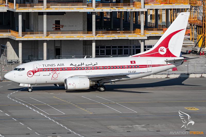 Tunisair / Boeing 737-600 / TS-IOP / Retro livery