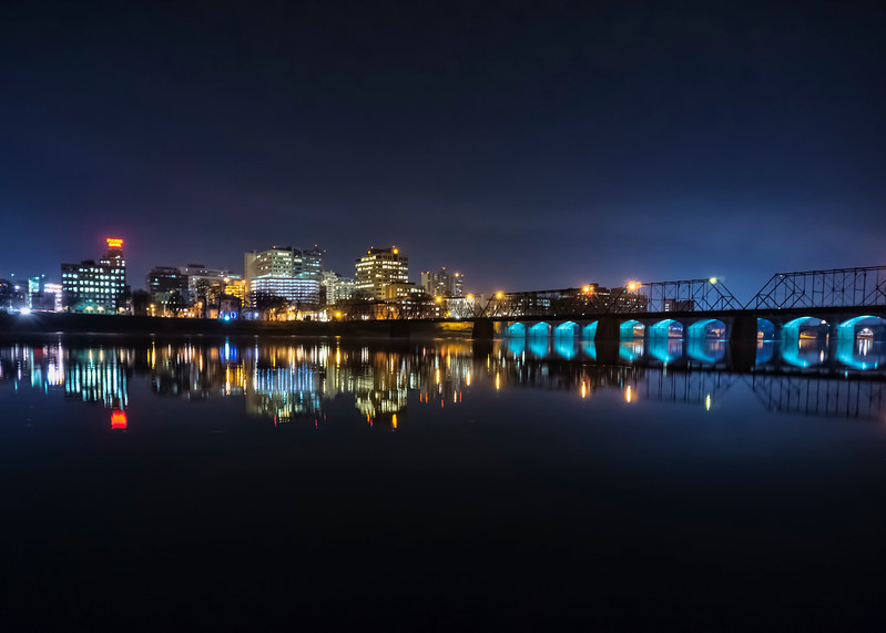 harrisburg - from city island at night(p).jpg
