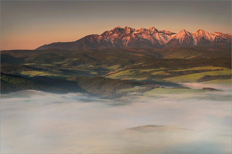 Tatra mountains seen from Trzy Korony