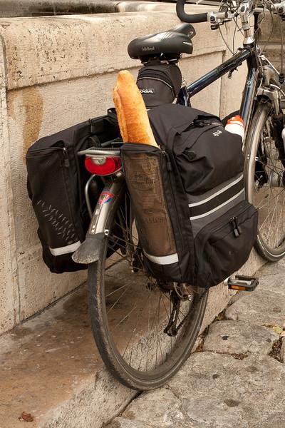 Special baguette compartment