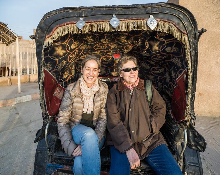 Transporte en calesa hasta el templo de Edfu